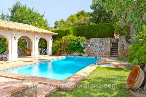 Beautiful country house in Soller with an attractive spacious house