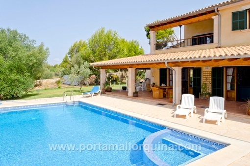 Well kept country house close in Colonia de Sant Jordi