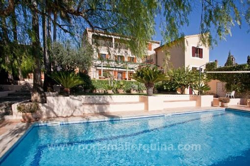 Authentic Majorcan country house from the 19th century with stunning panoramic views in Establisment