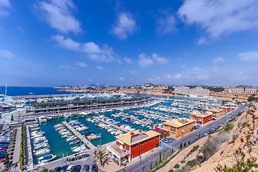 Beautiful sea view apartment in Port Adriano