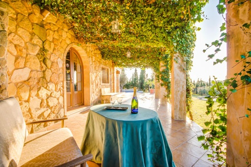Terrace with views to the beautiful gardeb