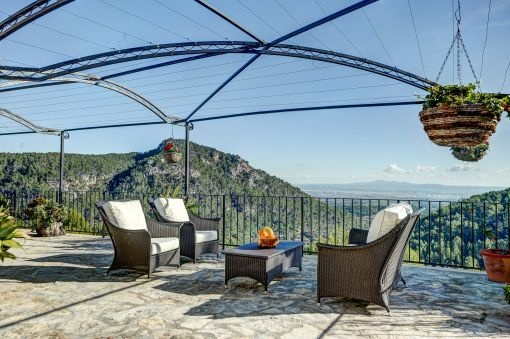 Lounge area with beautiful views over Mallorca