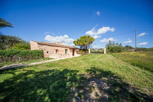 Finca on large plot of 26,000 sqm