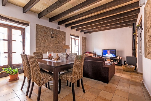 Well maintained townhouse with views to the harbor of Port Andratx