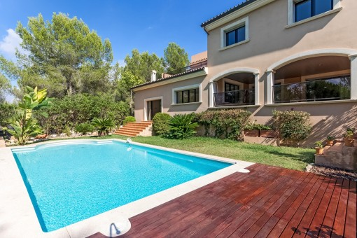 Large villa in a very quiet area close to the beach in Cala Vinyas