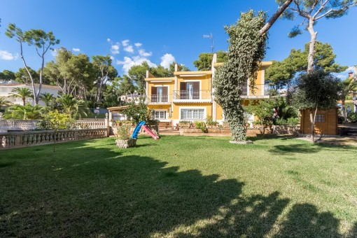 Fantastic opportunity in Old Bendinat only 200 metres from the beach