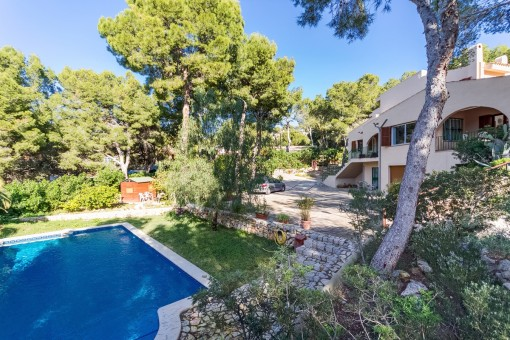Large family house on double plot, with separate guest studio in Costa de la Calma