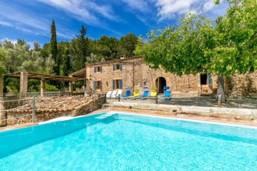 Typical Mallorcan natural stone Finca in an idyllic location in Arta