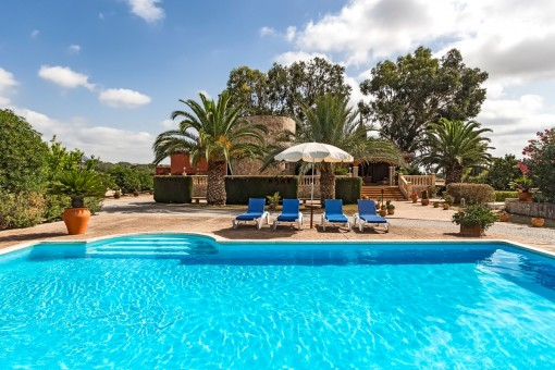 Large, beautiful finca with separate apartment, garden, pool and panoramic views close to Selva