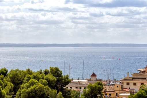 4-5 bedroom apartment with wonderful sea views in a small residential complex in San Augustin(Palma)