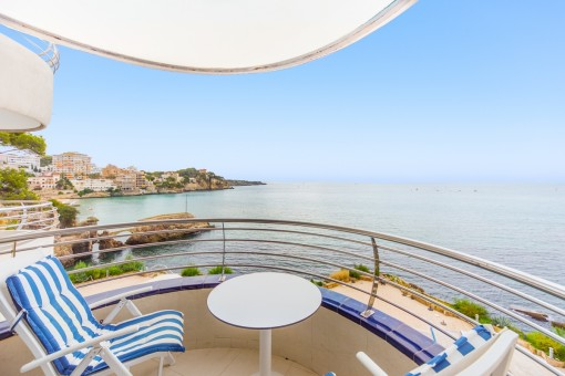 Beautiful apartment on the first sea line in San Augustin