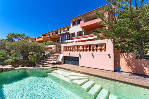 Incredible duplex in Portals with own heated pool and fantastic sea views from all levels