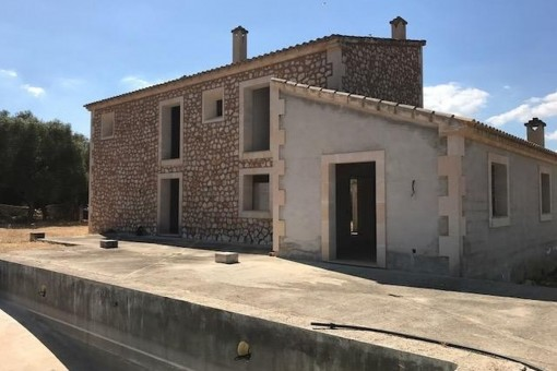 Excellent newly-built finca in a quiet location between Montuiri and Porreres