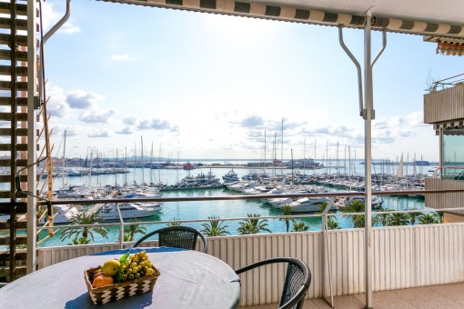 First sea line apartment with wonderful sea views in Palma on the Paseo Maritimo