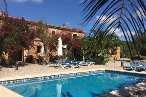 Romantic finca in a beautiful, tranquil location near San Lorenz
