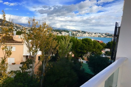 Beautiful, newly-renovated apartment with sea views in Illetes