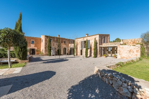 Beautiful finca in a quiet country location between Santanyi and Cas Concos