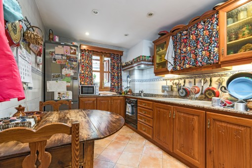 Lovely country house kitchen with breakfast table
