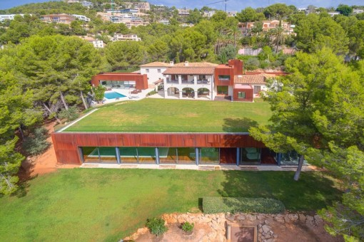Modern dream-villa on a large plot with indoor pool in Son Vida