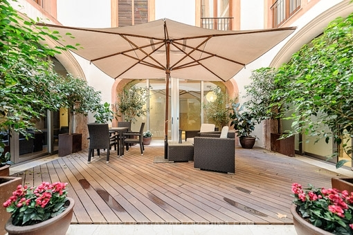 Unique and luxurious apartment with patio and terrace in the old town in Palma