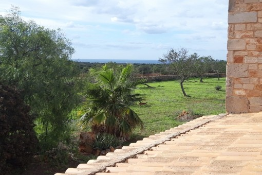 Charming shell construction for a finca near Santanyi with fantastic sea views