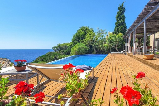 Spectacular villa in first sea line with fantastic sea views in Cala Pi