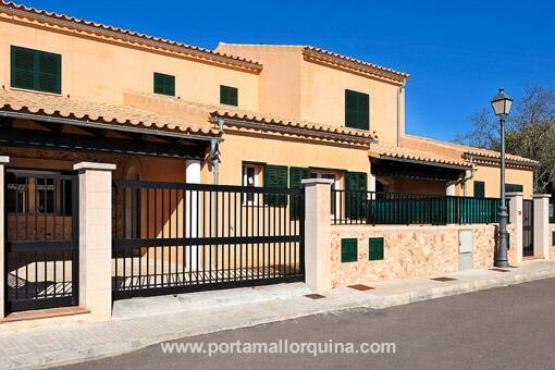 Maison à Pina