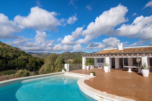 Villa in prime location with marvellous views to the bay of Puerto Andratx