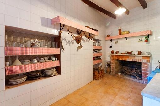 Kitchen with chimney
