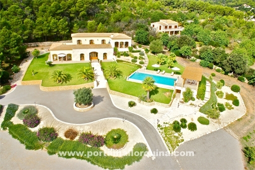 Magnificent luxury finca in a fantastic location with sea views