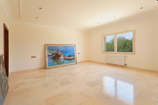 Panoramic window of the hall