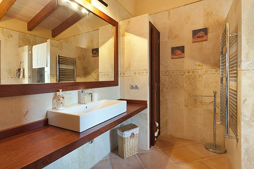Only first class qualities in the en-suite-bathroom
