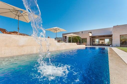 Fantastic pool with sun terraces