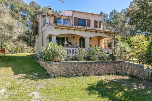 Furnished country house with pool and annex building in calm surrounding in Algaida