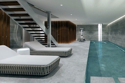 Relaxing area and indoor pool
