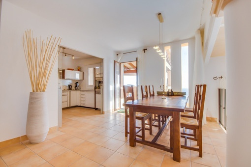 Comfortable dining area and kitchen