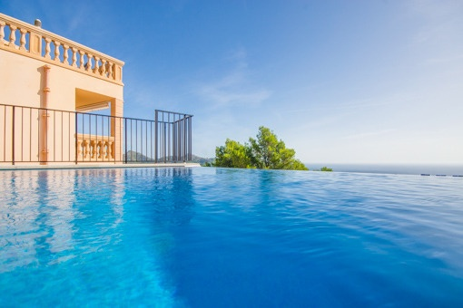 Unique sea views from the infinity pool
