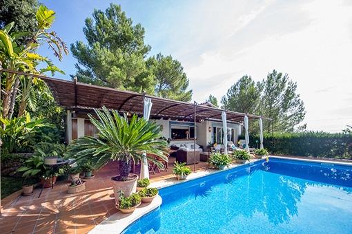 Spanish pool area