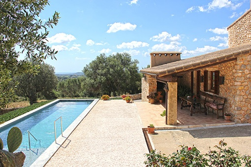 Traditional Mallorcan stone finca with 175,000 sqm land in San Llorenc