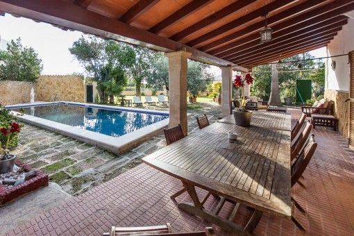 Superb country house of 500 sqm with 2 separate houses and a plot of 5,800 sqm in Son Sardina, Palma