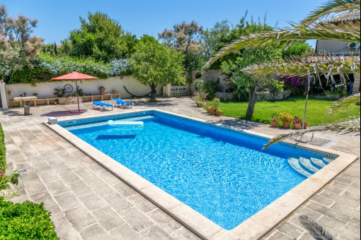 Finca in Capdepera with heated pool, beautiful garden and a separate guest house