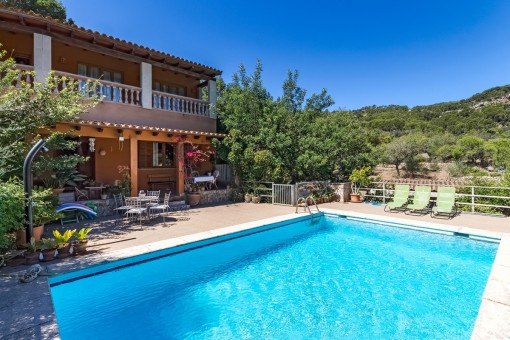 Mallorcan Finca with horse paddock and stables close to Puerto Andratx