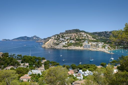 Beautiful building plot inthe best location in Cala Llamp