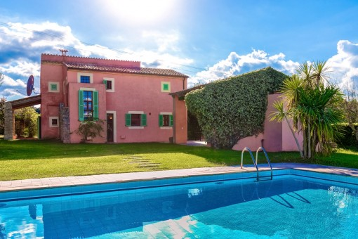 Beautiful finca with lovely garden and pool close to Arta