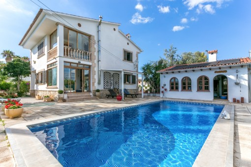 Large detached house with guest house, pool and sauna between Palma and Son Sardina