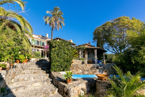 Beautiful finca with pool, stables and riding ground
