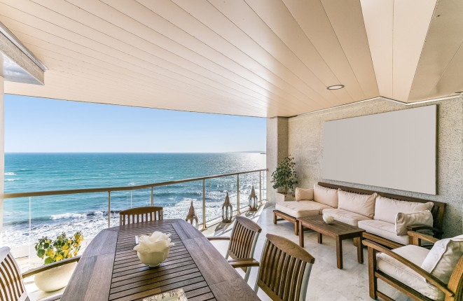 4-bedroom luxury apartment on the first sea...
