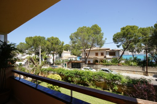 Elegant, completely renovated garden apartment near to the Club Nautico, shops and beach in Santa Ponsa