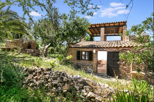 Small romantic finca with views of Artà and Capdepera and views as far as the sea