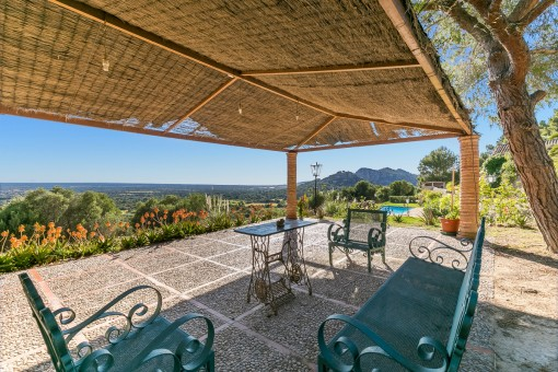 Finca near Llucmajor with incomparable views over the south of Mallorca as far as the sea